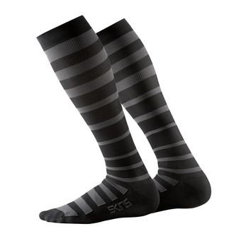 Chaussettes de compression homme ESSENTIALS RECOVERY black/charcoal
