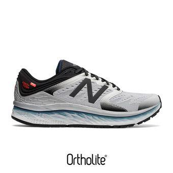 Zapatillas de running hombre 1080 V8 white/black