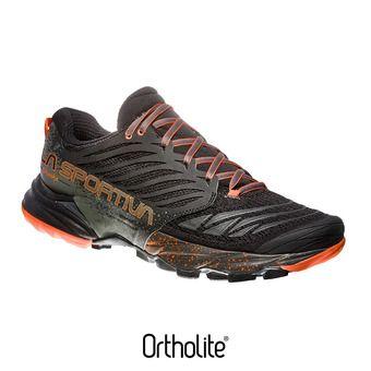 La Sportiva AKASHA - Scarpe da trail Uomo black/tangerine