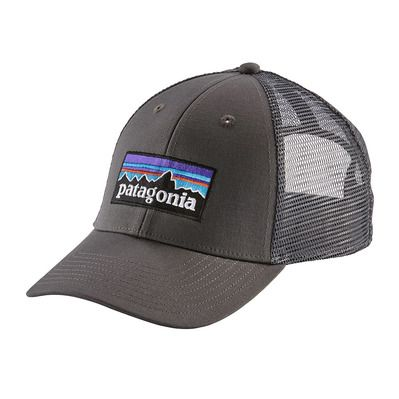 https://static.privatesportshop.com/2307903-7152110-thickbox/patagonia-p-6-logo-lopro-casquette-forge-grey-forge-grey.jpg
